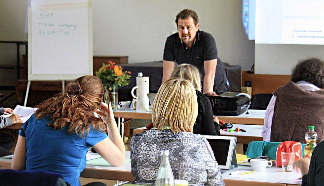 Eine spannende Ausbildung als ErnährungsberaterIn bietet das Avicenna-Institut