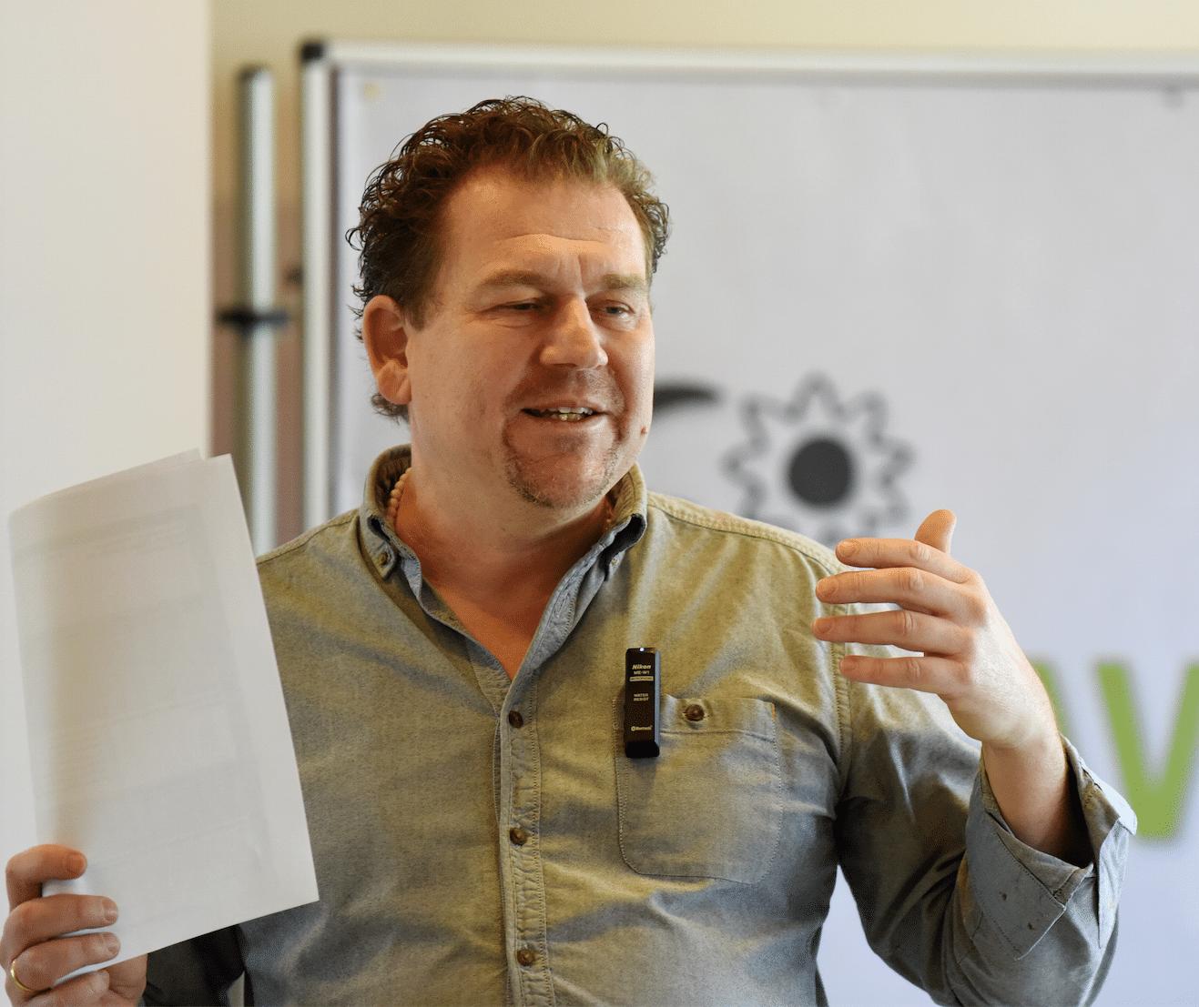 Mike Morell vermittelt sehr anschaulich die direkte Integration von westlicher Kräuterheilkunde und Kräuterpresslingen der Diolosa Linie