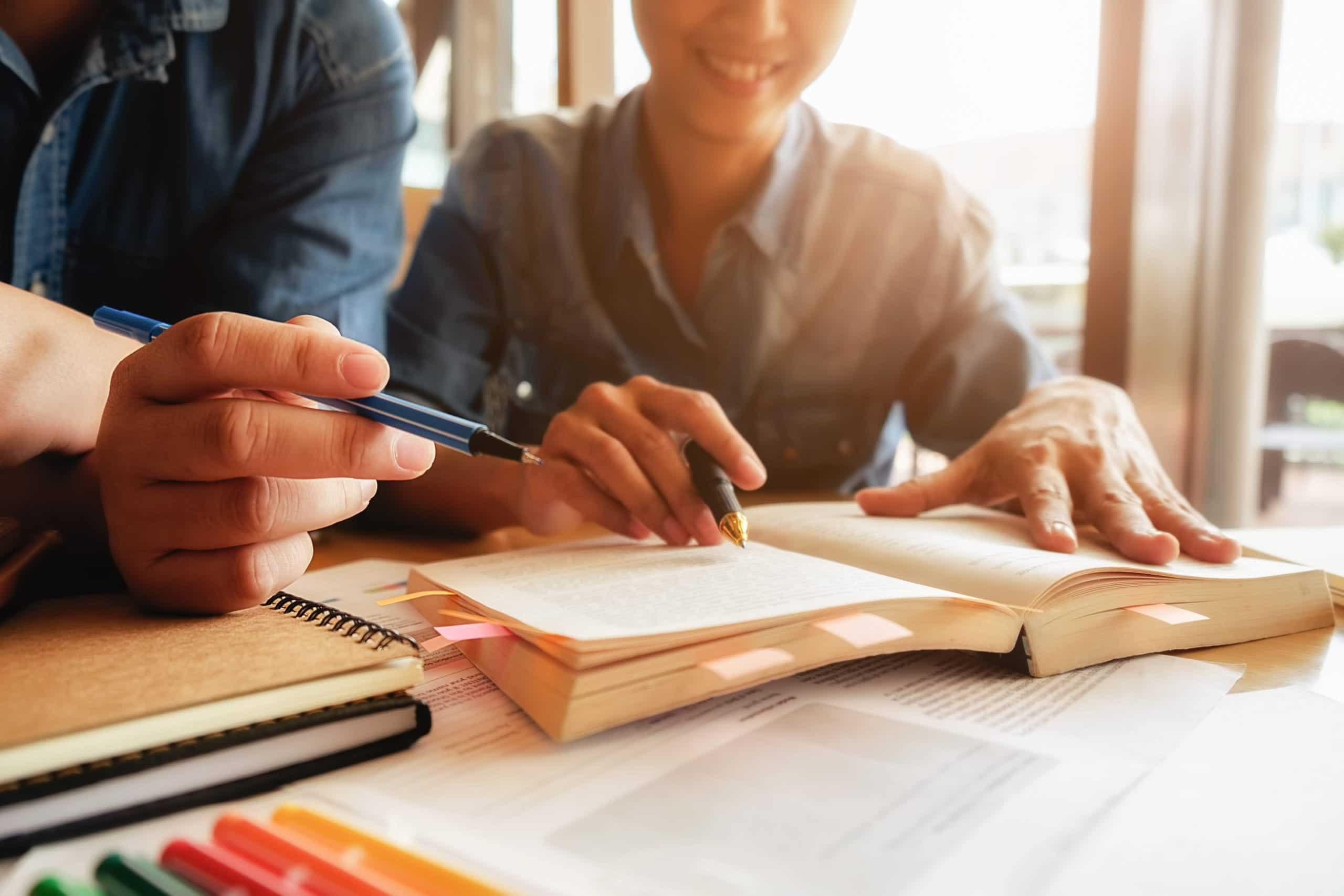 Das Avicenna Institut bietet neben Präsenzunterricht auch die Möglichkeit von Online-Kursen an.